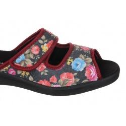 Papuci casa femei  Mjartan 543-L75-L27 negri cu floricele
